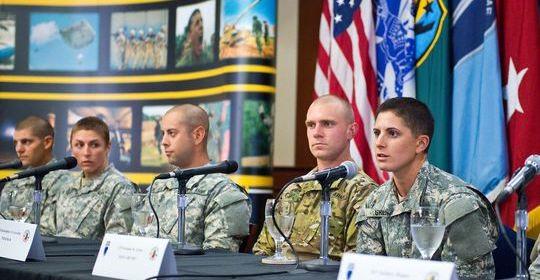 Mujeres actividades militares