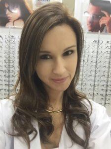 dra-helga-alfaro-especialista-en-optometria-2