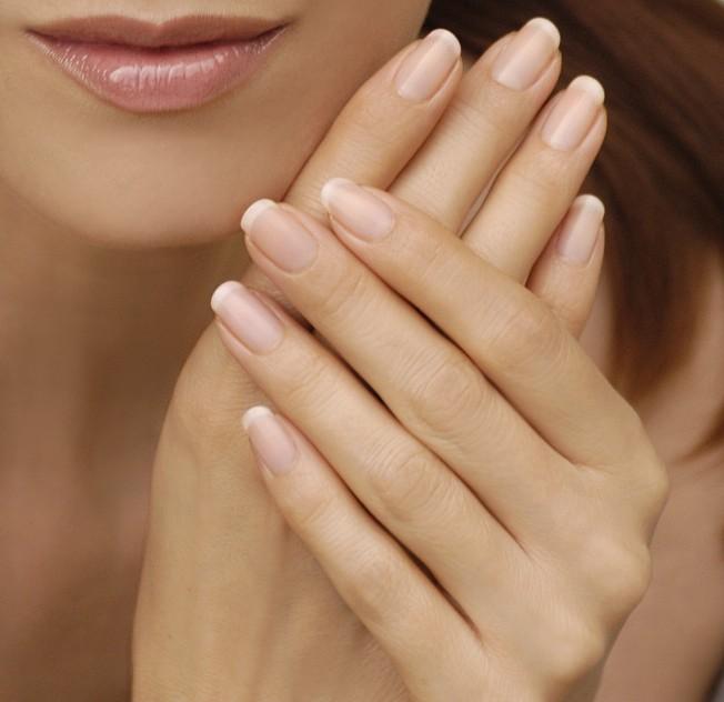 El color natural de las uñas puede indicar si existen problemas de ...